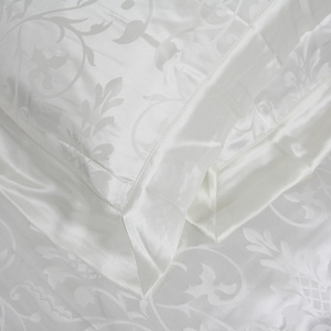 Jacquard silk pillowcase